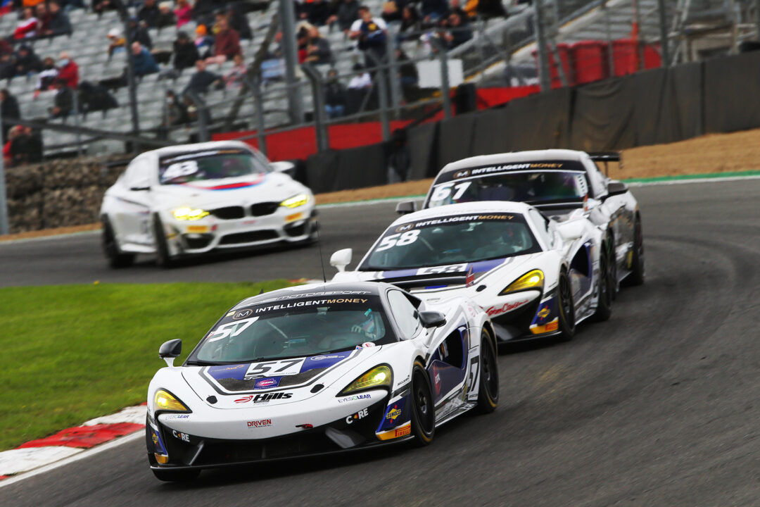 HHC leads British GT after dramatic Brands Hatch weekend